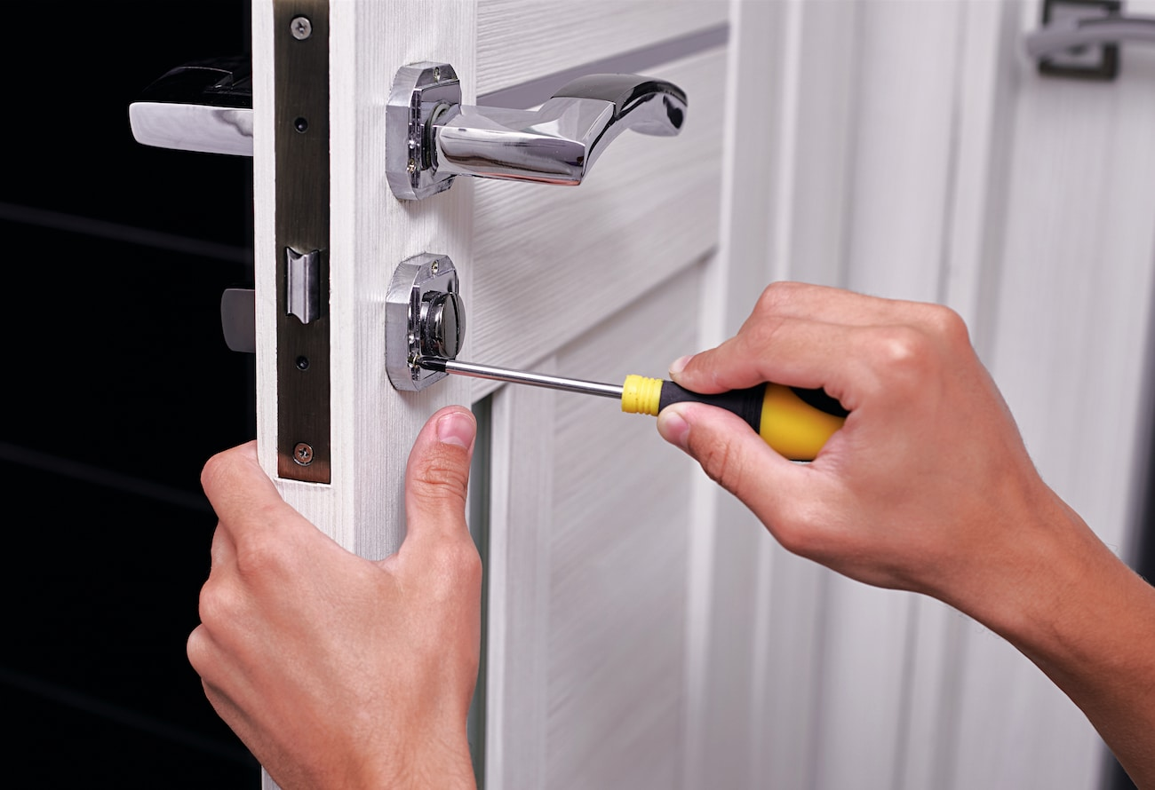 Door locks repair Phoenix, www.yourphoenixhandyman.com, Phoenix Handyman Services