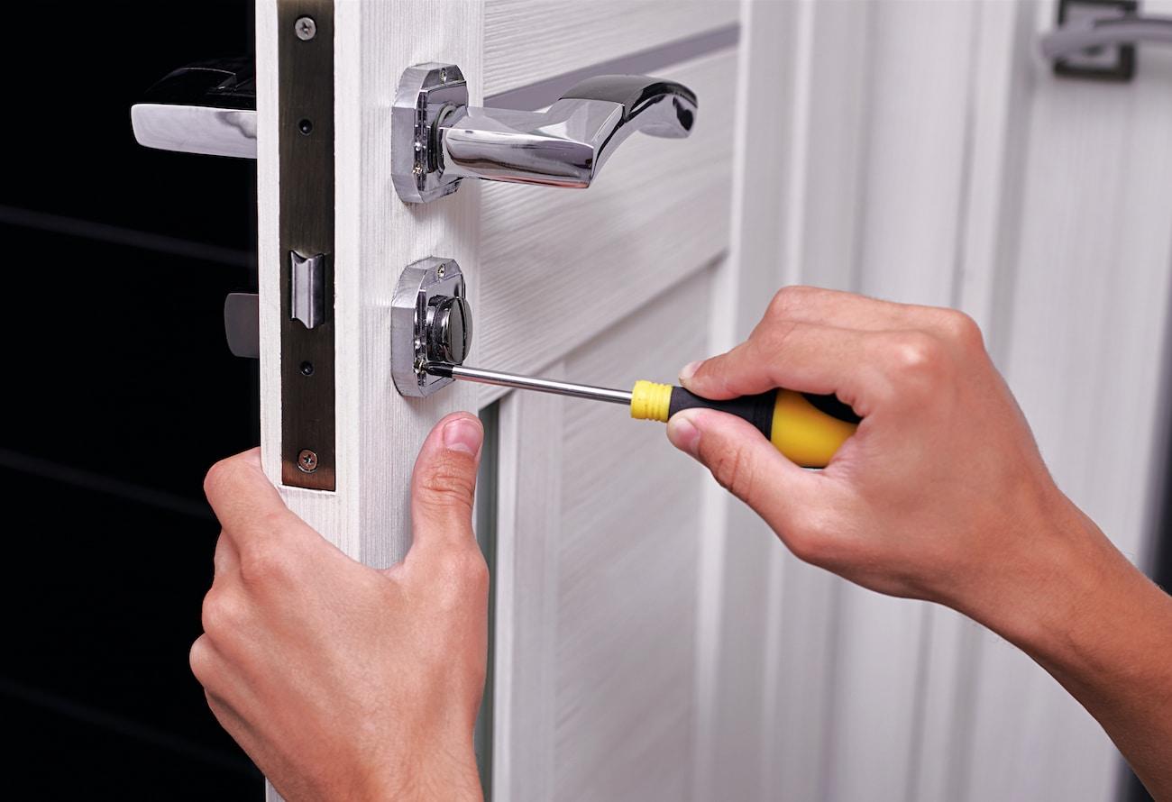Door locks repair Phoenix, www.yourphoenixhandyman.com, Phoenix Handyman Services